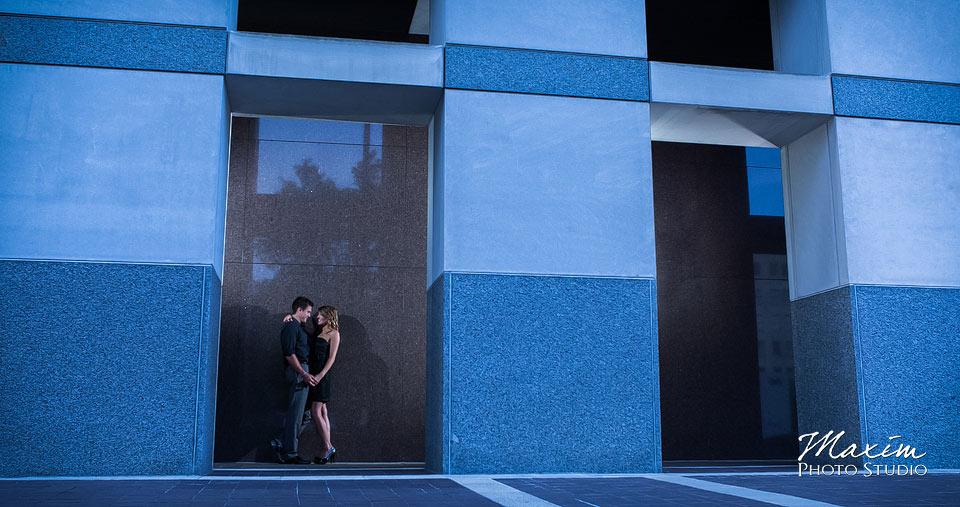 P&G building, tall brush engagement, cincinnati wedding engagement
