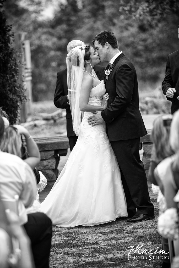 Cox Arboretum Wedding First Kiss