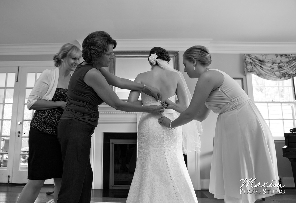 Cincinnati Muhlhauser Barn Wedding Preparations