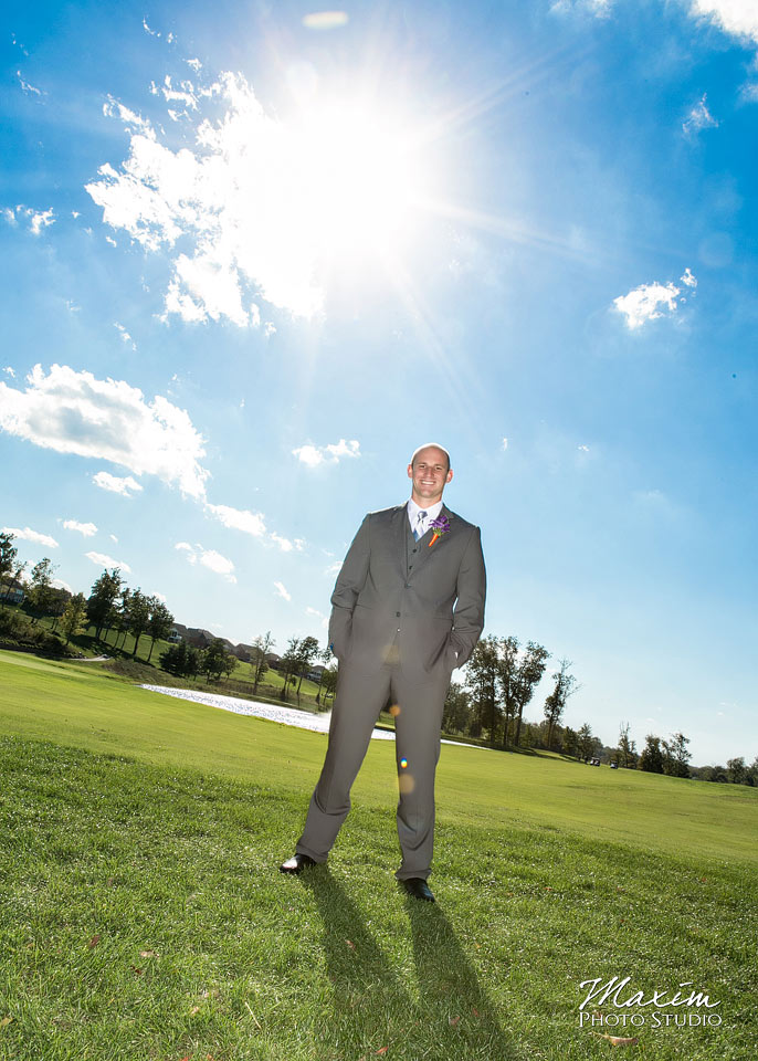 Pebble creek golf club wedding, Groom with Off Camera flash