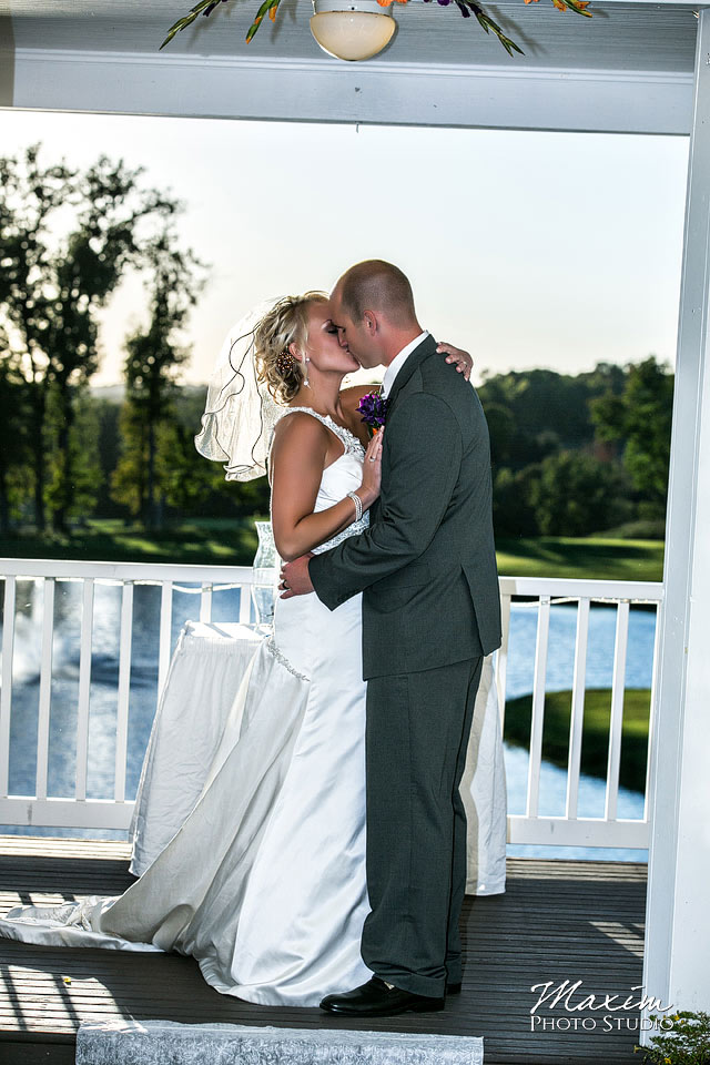 Pebble creek golf club wedding, Bride and groom, Cincinnnati Wedding, First Wedding kiss