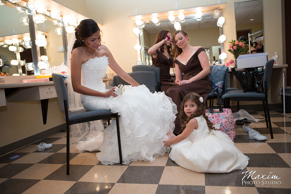 Anderson Center Cincinnati Wedding Bride Getting Ready