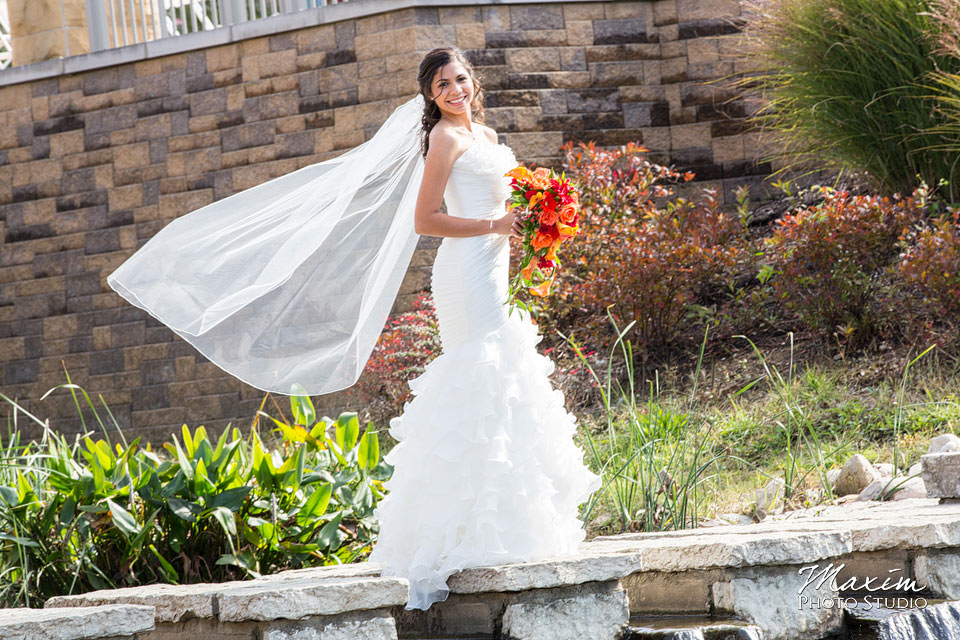 Anderson Center Cincinnati Wedding Bride