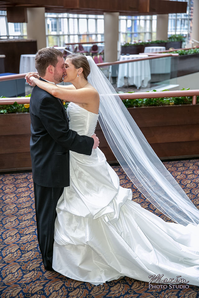 cincinnati-wedding-photography-hyatt-regency-cincinnati-14