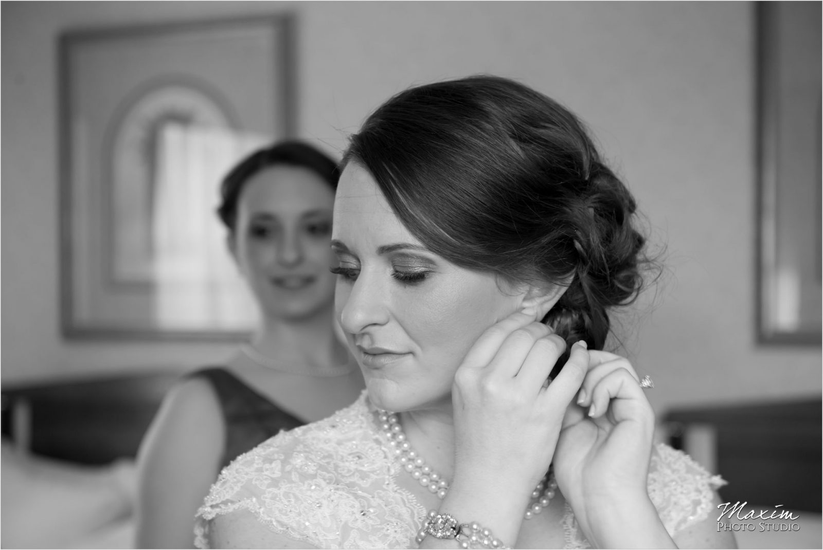 Hilton Netherland Plaza Cincinnati Wedding bride preparations earings