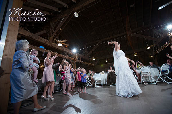 Barn Wedding At Polen Farm In Kettering Ohio