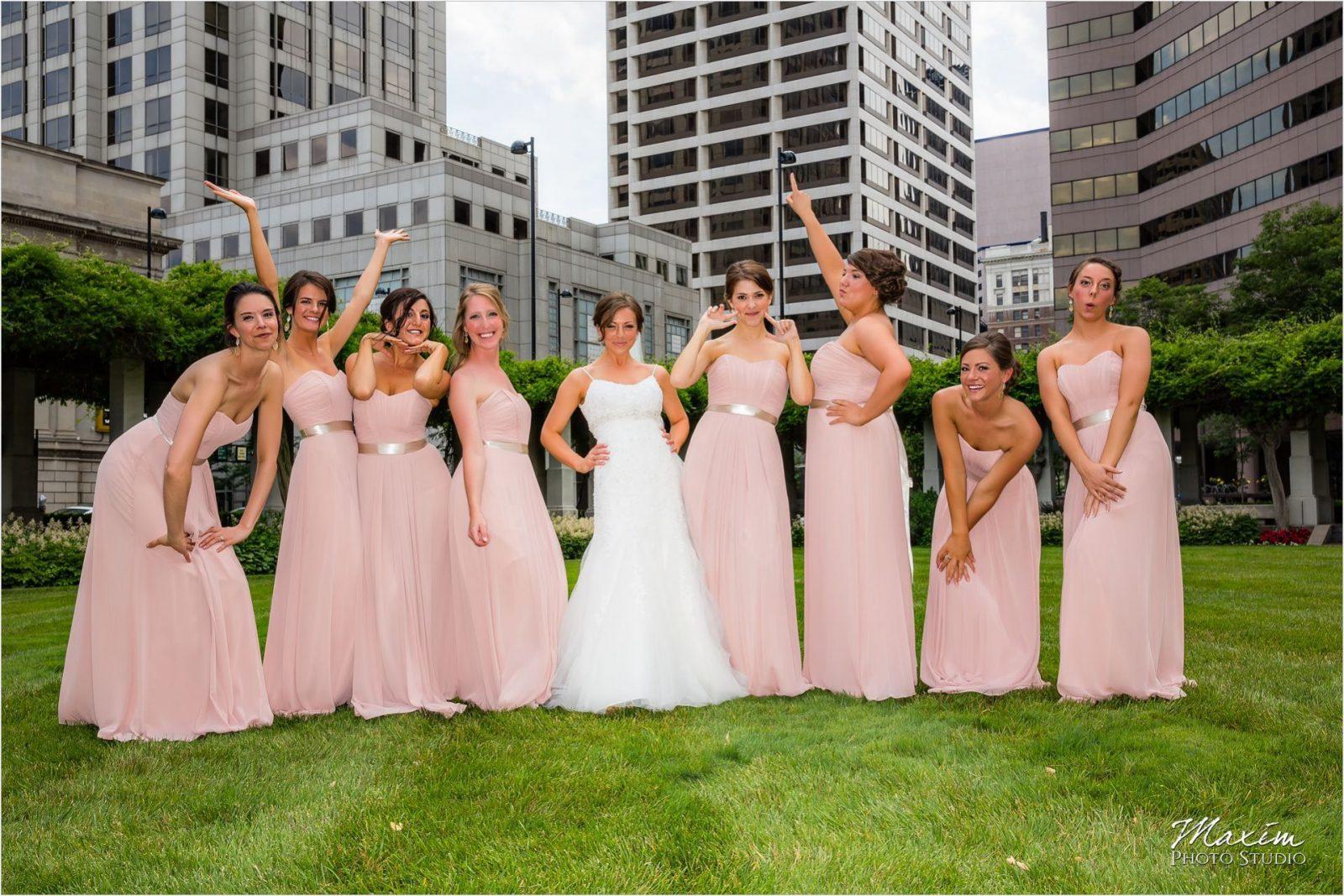 PG Gardens Cincinnati Wedding Bride Groom pictures