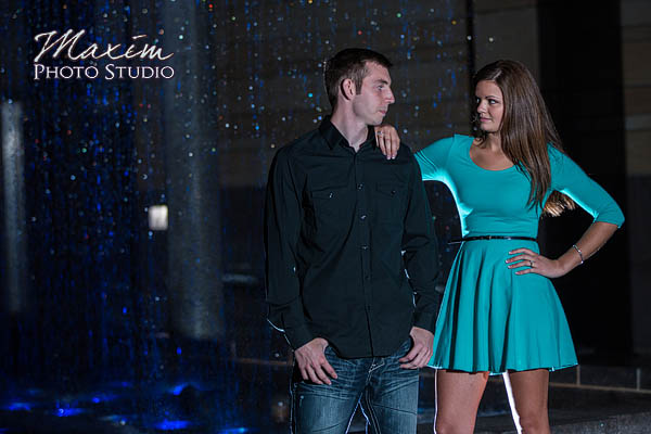 Roebling-bridge-smale-riverfront-park-cincinnati-engagement-photographs-susie-scott-12