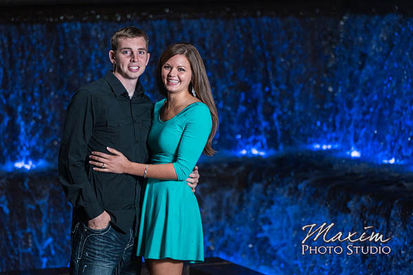 Roebling-bridge-smale-riverfront-park-cincinnati-engagement-photographs-susie-scott-15
