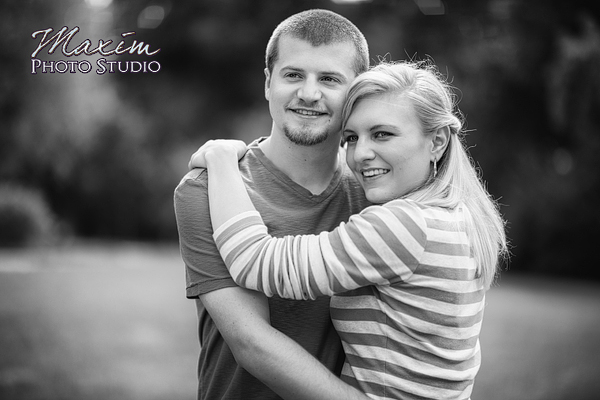 concourse-marriemont-cincinnati-engagement-photography-allyson-02