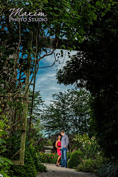 dayton-wedding-photographer-wegerzyn-gardens-dayton-ohio-engagement-008