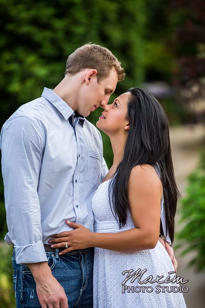 dayton-wedding-photographer-wegerzyn-gardens-dayton-ohio-engagement-012