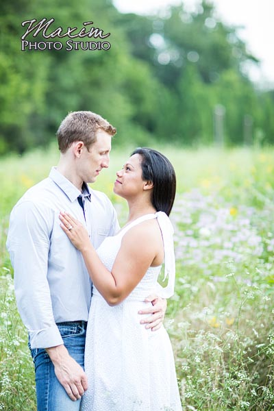 dayton-wedding-photographer-wegerzyn-gardens-dayton-ohio-engagement-016