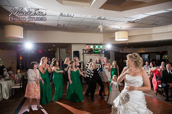 scioto-reserve-country-club-columbus-wedding-photographs-lindsey-018