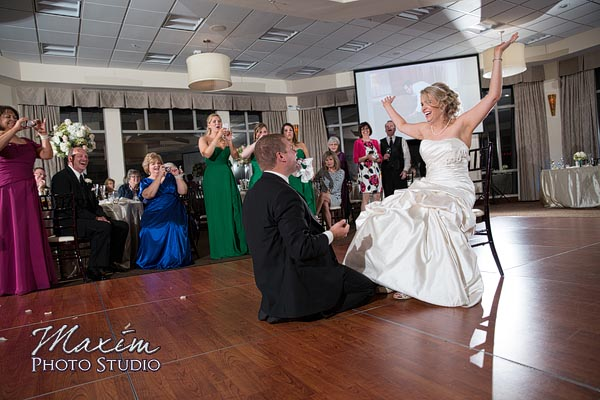 scioto-reserve-country-club-columbus-wedding-photographs-lindsey-019