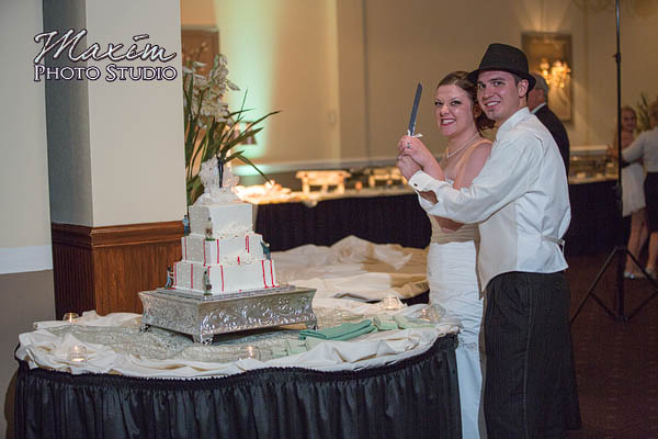 reception-fairfield--wedding-cake-kc-nick-32