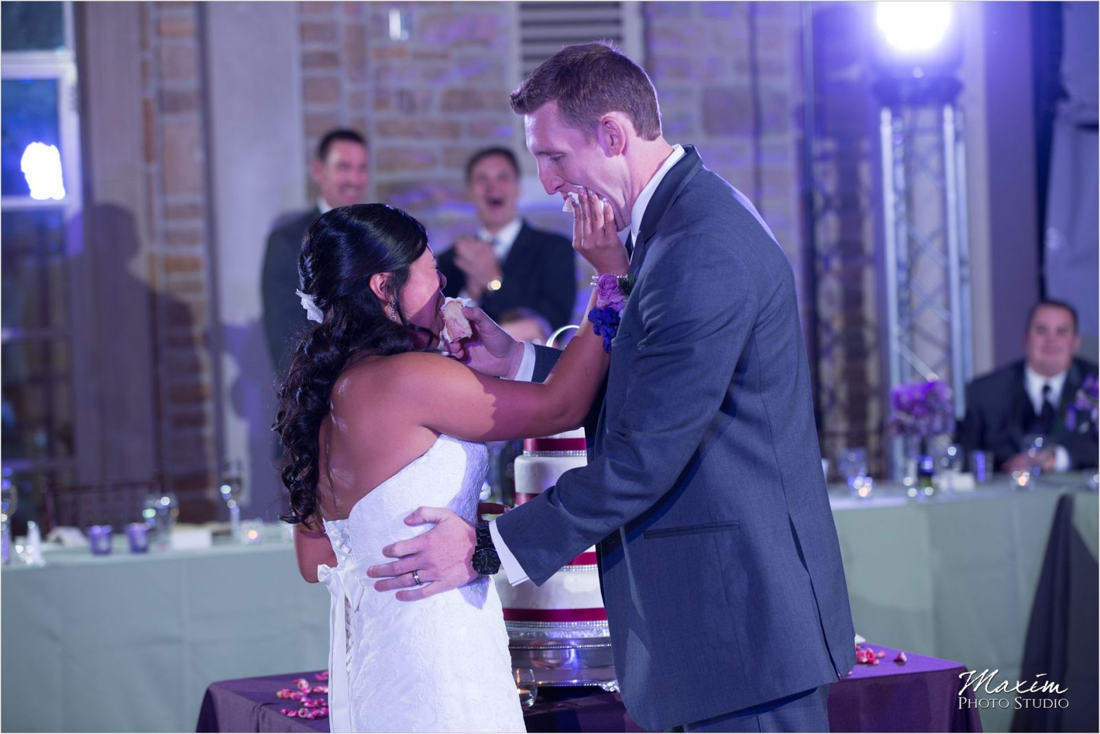 Ault Park Cincinnati Wedding Reception Groom Bride first dance