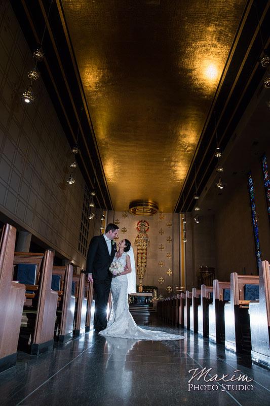 Timeless Off Camera Lighting Cincinnati Wedding