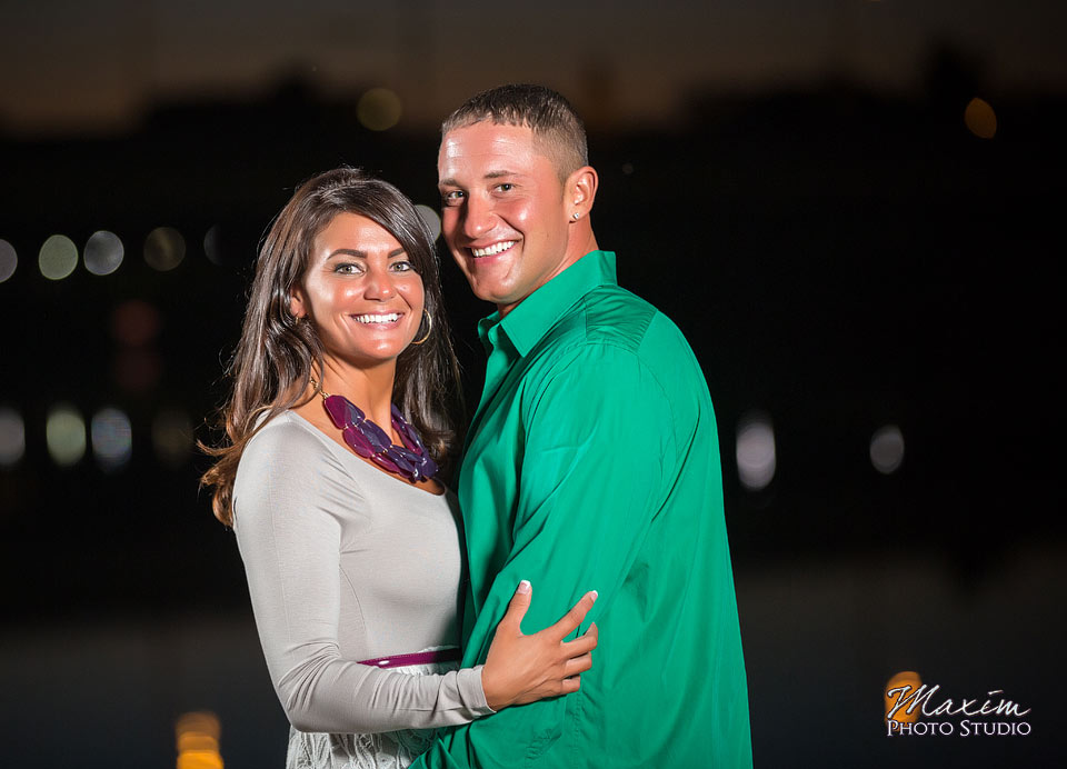 riverscape-dayton-ohio-engagement-off-camera-flash-01