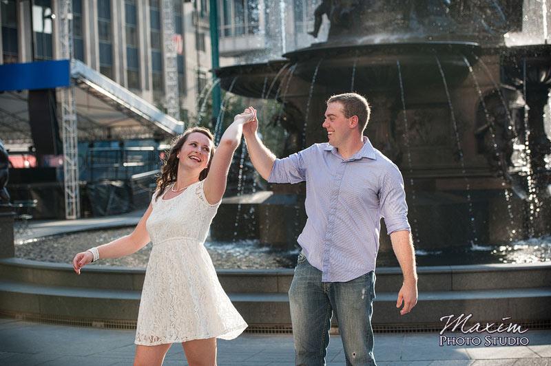 Fountain Square Cincinnati Engagement