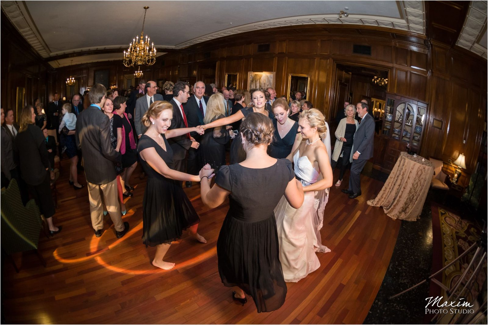 Queen City Cincinnati Wedding Reception dance