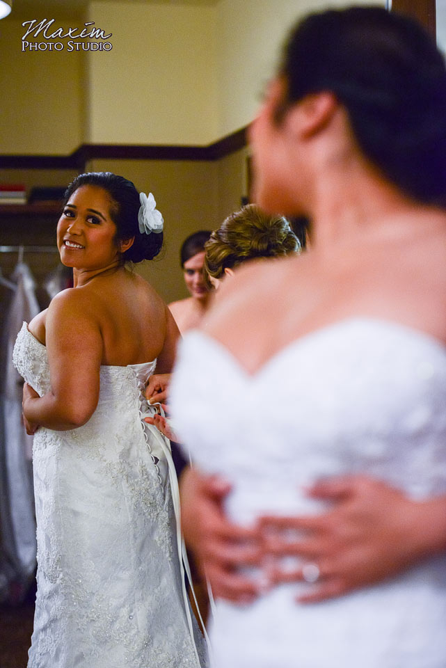 Scioto Reserve Country Club Wedding Bride getting ready