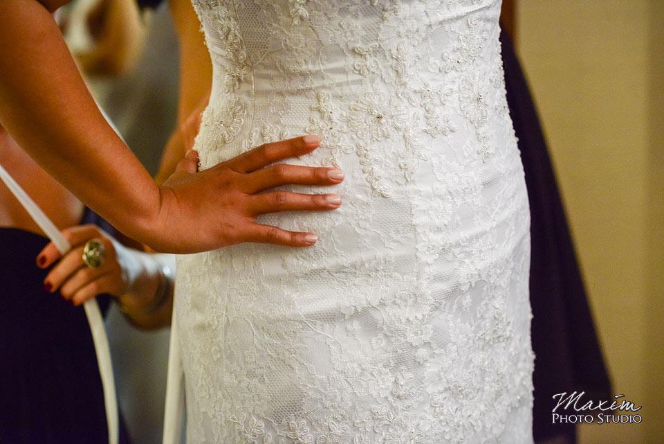 Scioto Reserve Country Wedding Bride getting ready