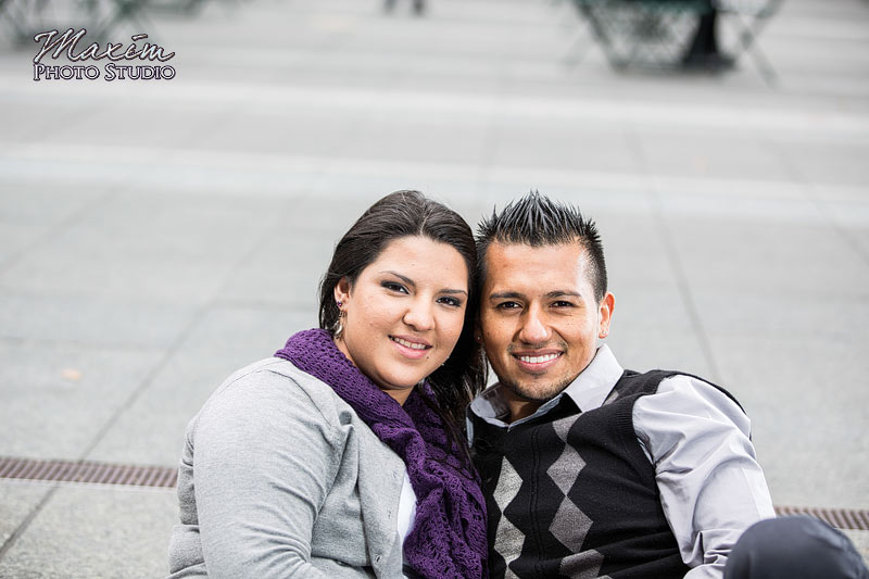 Fountain Square Cincinnati Engagement