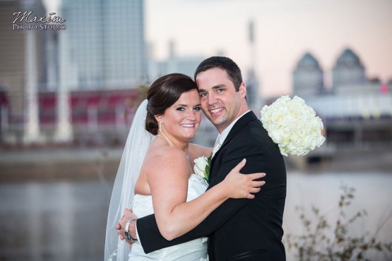 Hyatt-regency-cincinnati-wedding-photography-amanda-30