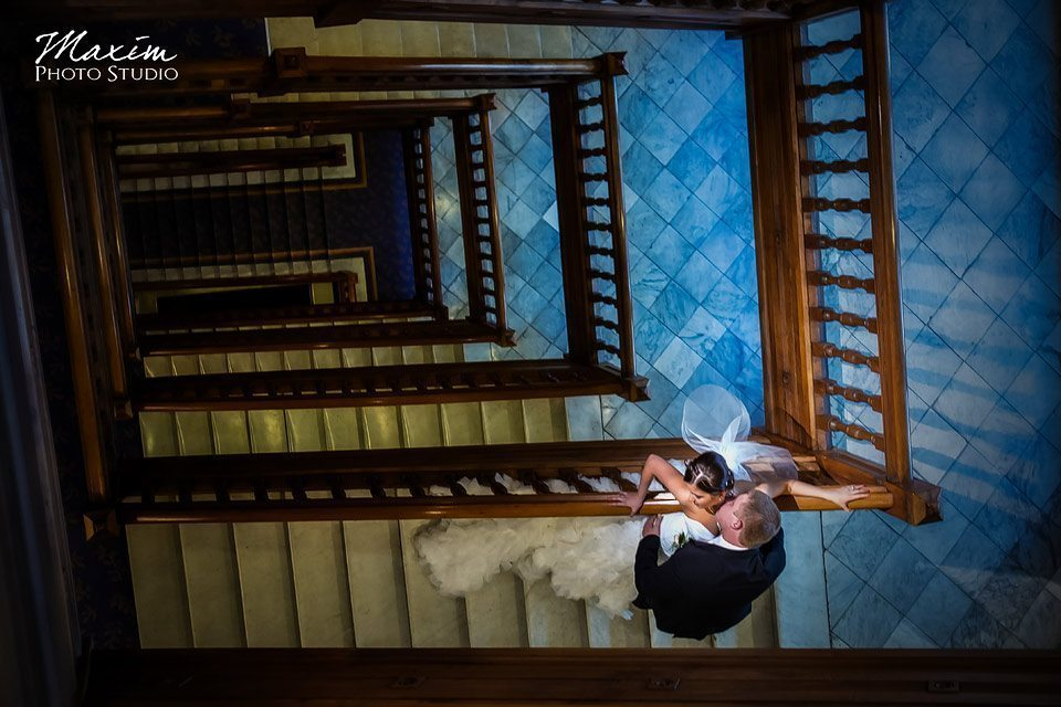 Cincinnatian hotel wedding, leading lines hotel stairs, best cincinnati wedding image