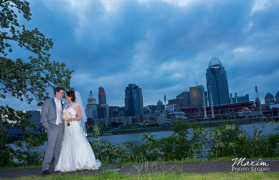 cincinnati-wedding-skyline-photoraphy