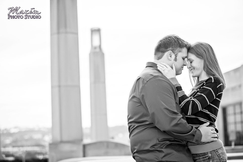 cincinnati-museum-center-union-terminal-wedding-engagement-snow-12