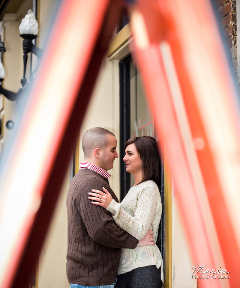 oregon-district-dayton-ohio-wedding-engagement-06
