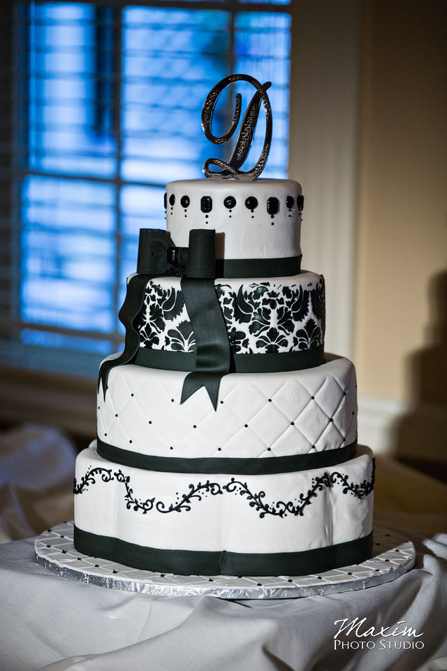 Manor House Wedding Cake