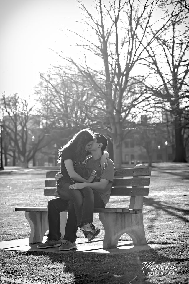 Ohio-state-university-engagement-the-oval-horseshoe-photographs-12