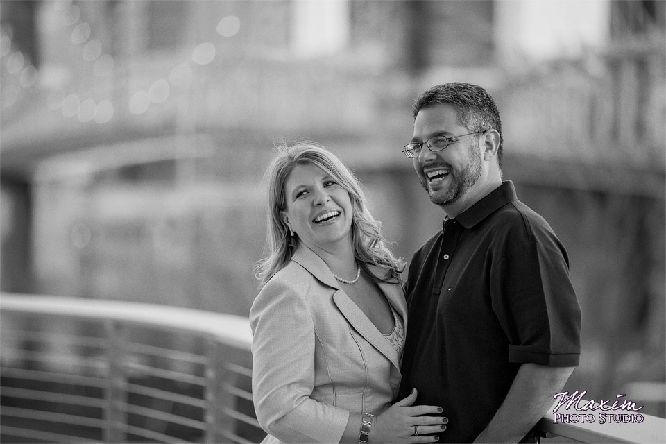Smale Riverfront Park couple in Black and White