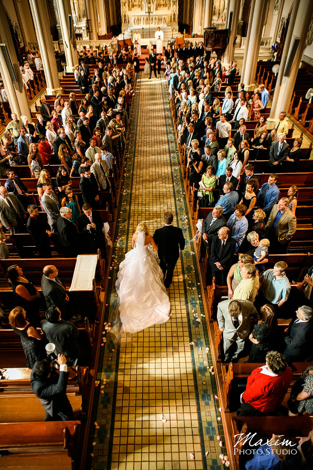 cincinnati bride entering church