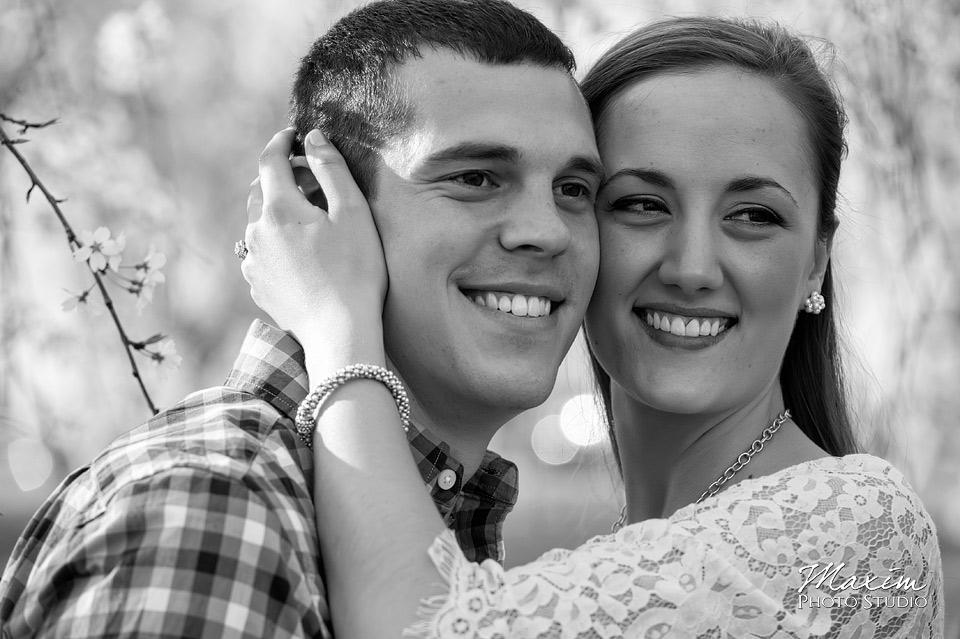 black and white ault park cincinnati engagement