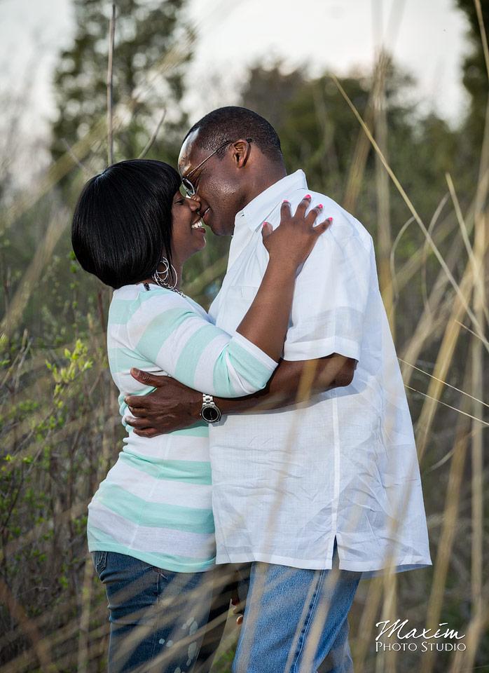 cox-arboretum-dayton-engagement-photographers-03