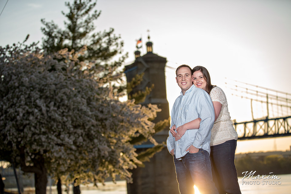 cincinnati off camera flash roebling bridge engagement photo