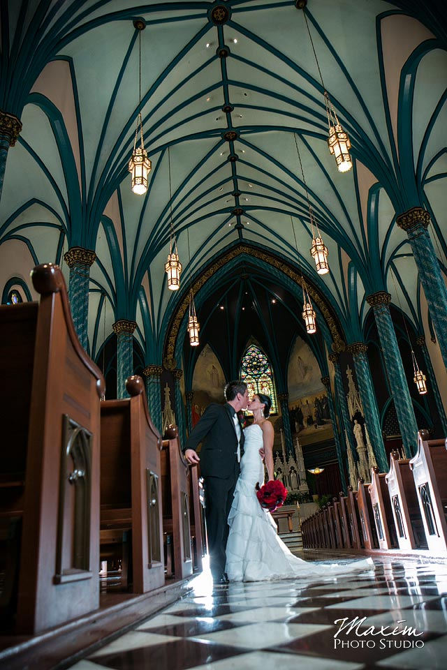 Cincinnati Wedding couple St. Xavier Church