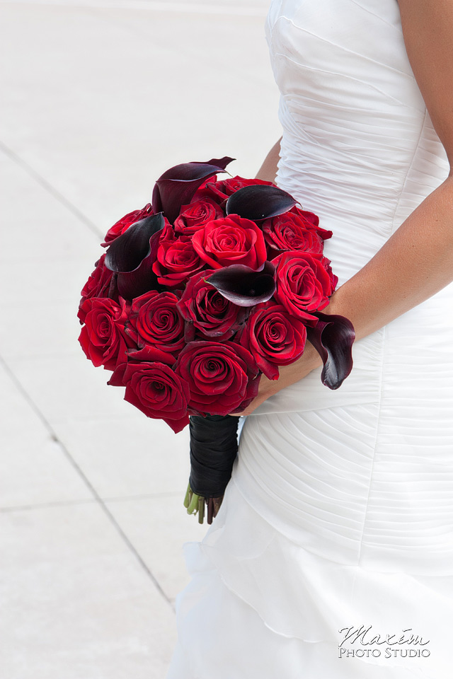 cincinnati wedding bride flowers