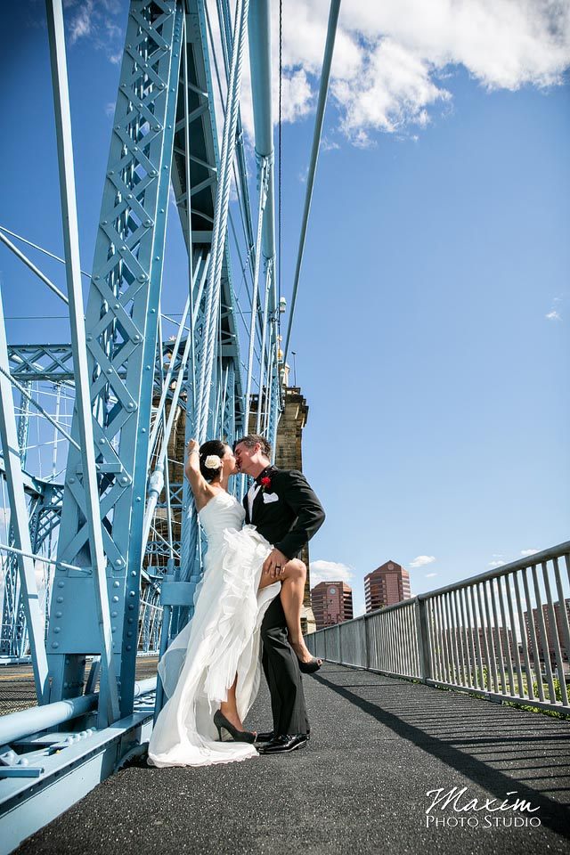 sexy cincinnati wedding photo