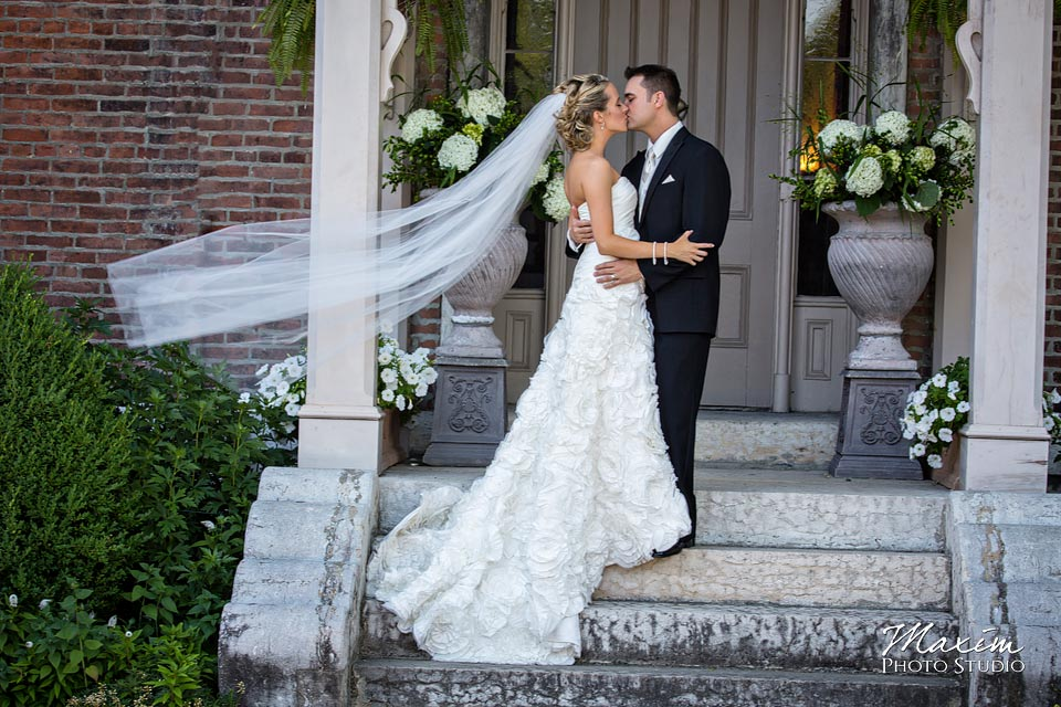 Taylor Mansion Columbus Ohio Wedding photo