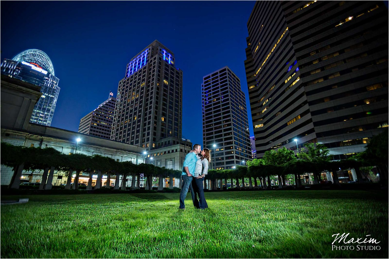 Cincinnati Wedding Photographers PG Gardens Night Engagement