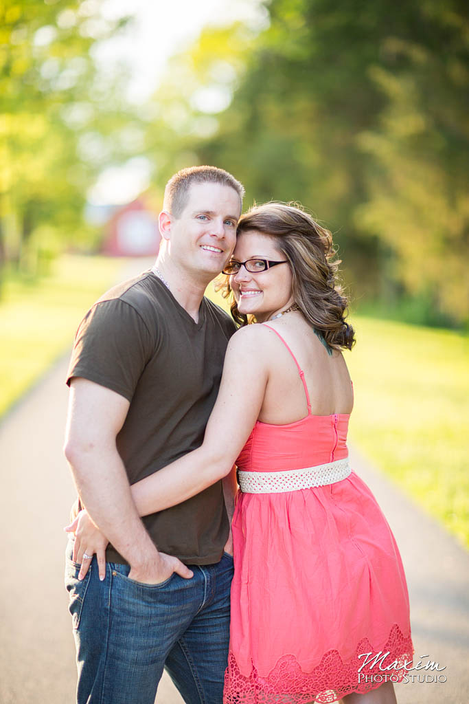 dayton-ohio-engagement-pictures-carriage-house-metropark-12