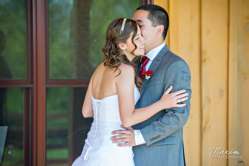 Canopy-creek-dayton-wedding-pictures-first-look