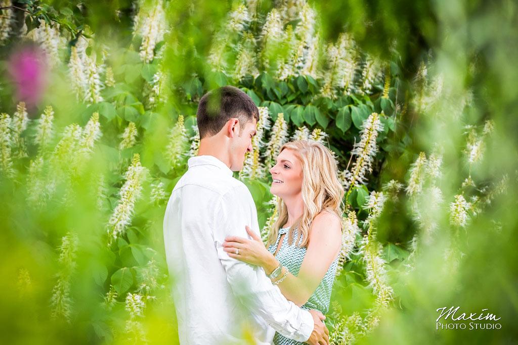 Ault Park Cincinnati Ohio engagement picture 15