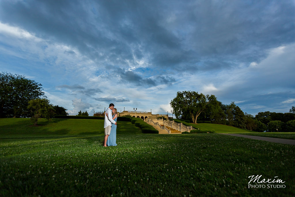 Ault Park Cincinnati Ohio engagement picture 01