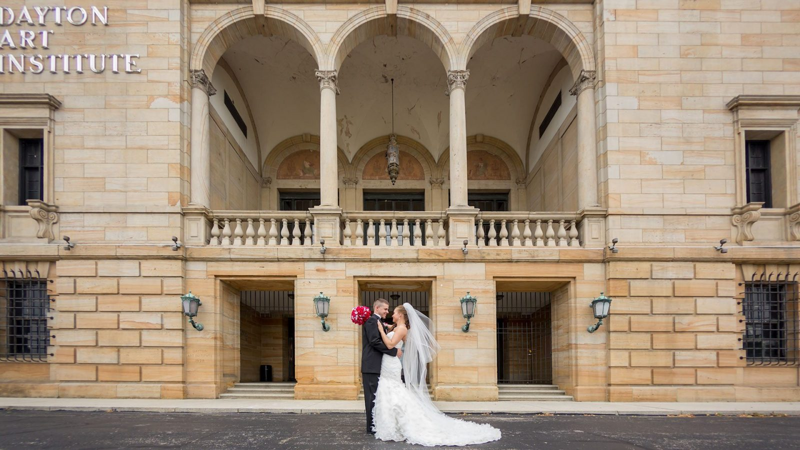 Dayton Art Institute Weddings | Wedding Venues in Dayton | Columbus Wedding Photographers | Wedding Photographers in Cincinnati | Dayton Wedding Photographers | Dayton Wedding Photo Locations | Top Dayton Wedding Vendors